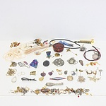 Assortment of Jewellery, Necklaces, Earrings, Brooches and Pendants