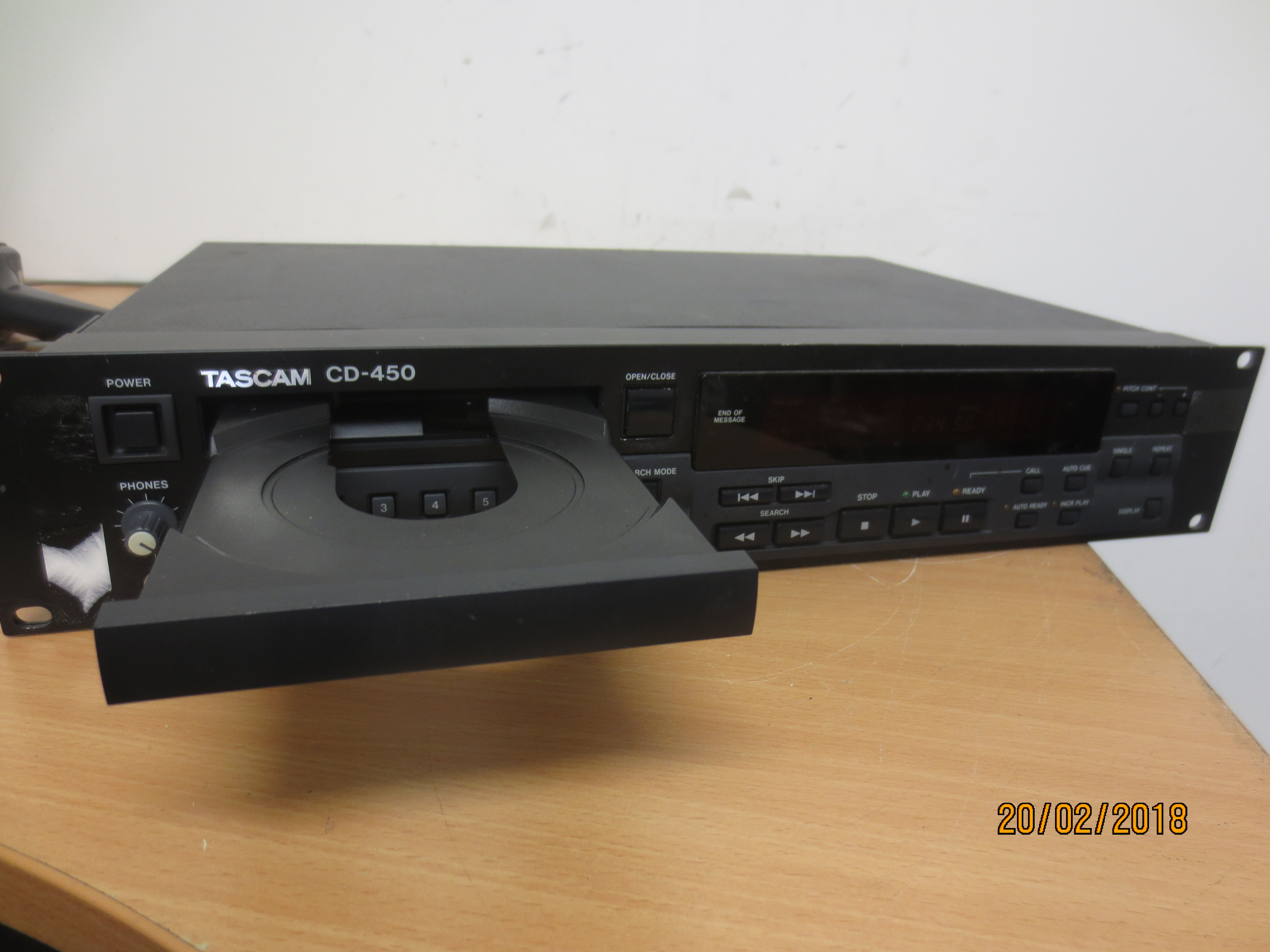 Tascam CD-450 Compact Disc Player