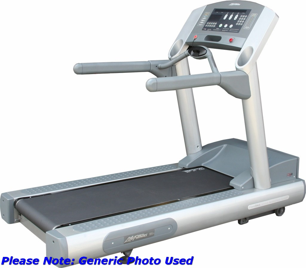 Life Fitness 95Ti Treadmill With - Lot 895678