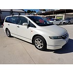 2/2005 Honda Odyssey  20 4d Wagon White 2.4L