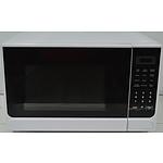 Homemaker 900 Watt Microwave Oven