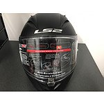 A high performance, full-face designed by racers for racers. The LS2 Arrow Helmet.