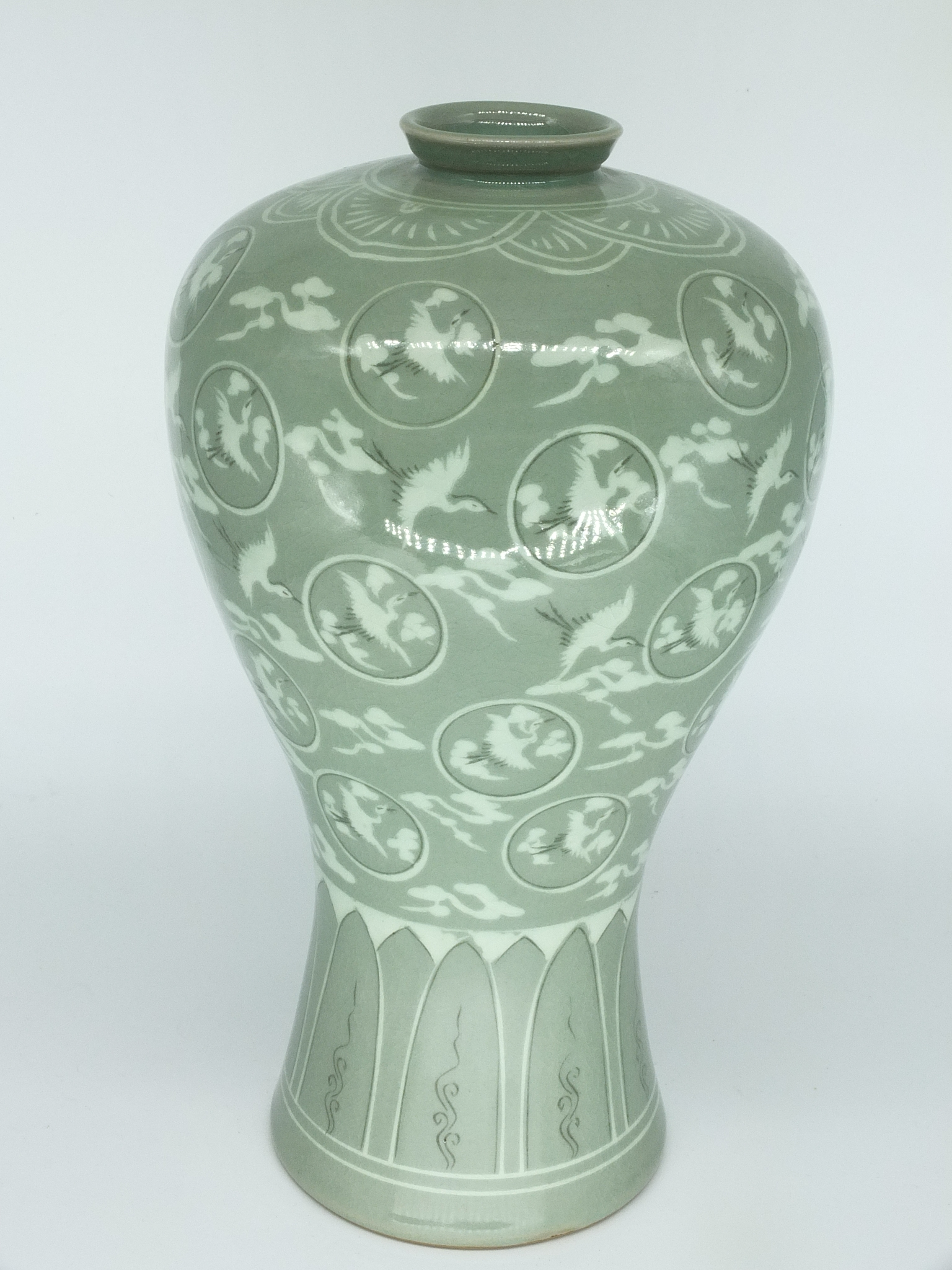 'Korean Slip Inlaid Celadon Vase with Bespoke Wooden Box 20th Century'