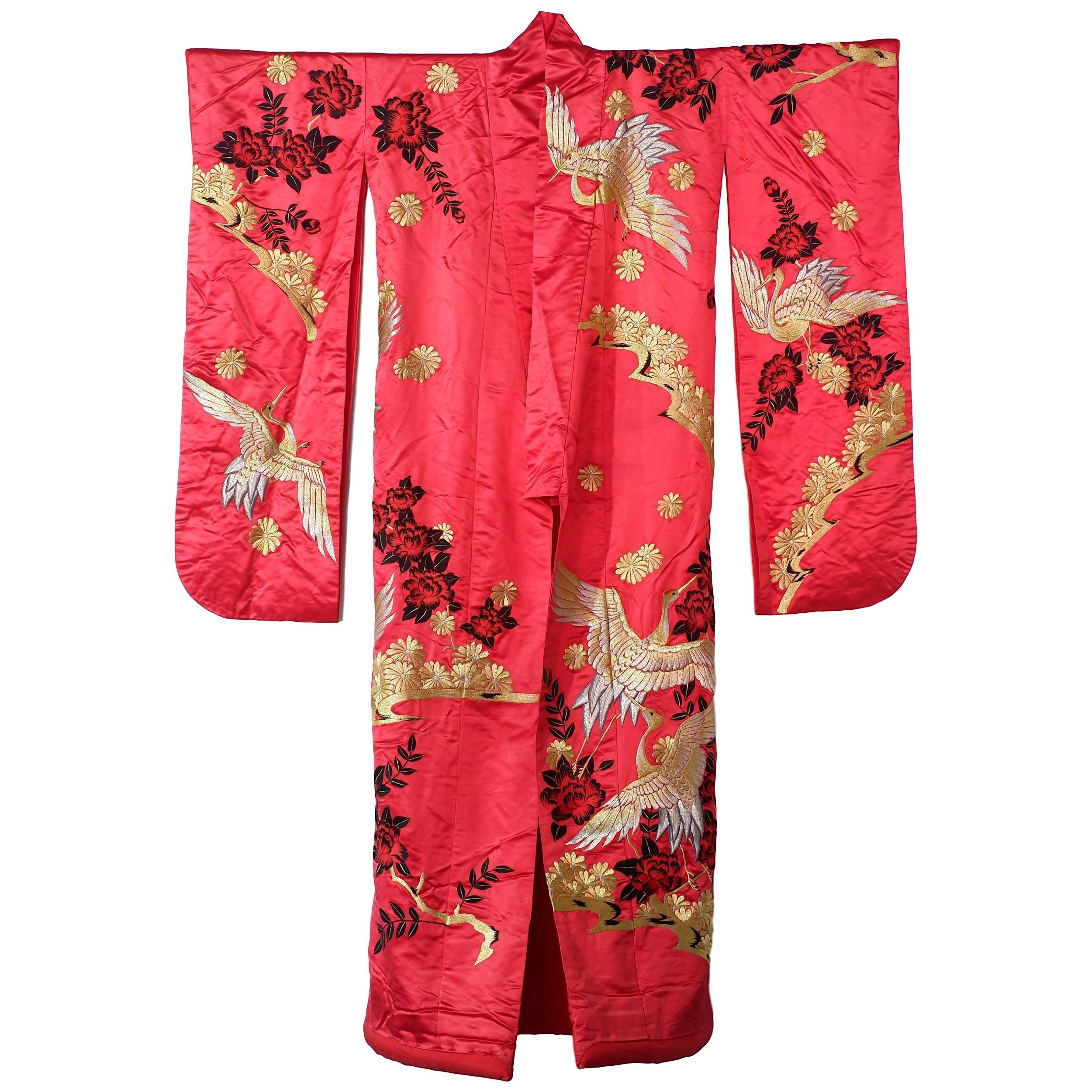 'Fine Vintage Richly Embroidered Japanese Red Ground Silk Kimono'