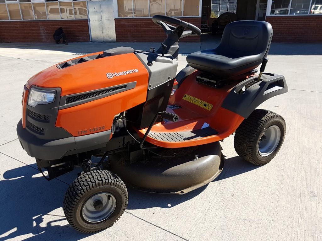 Husqvarna 30inch Ride-on Lawn Mower