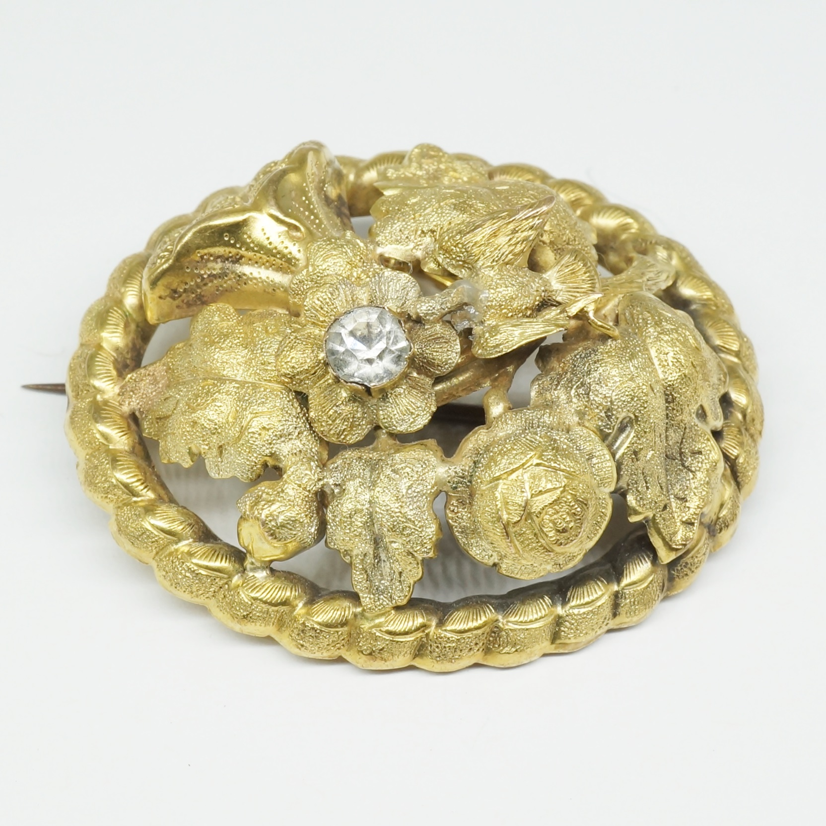 'Antique 9ct Yellow Gold Die Struck Brooch'