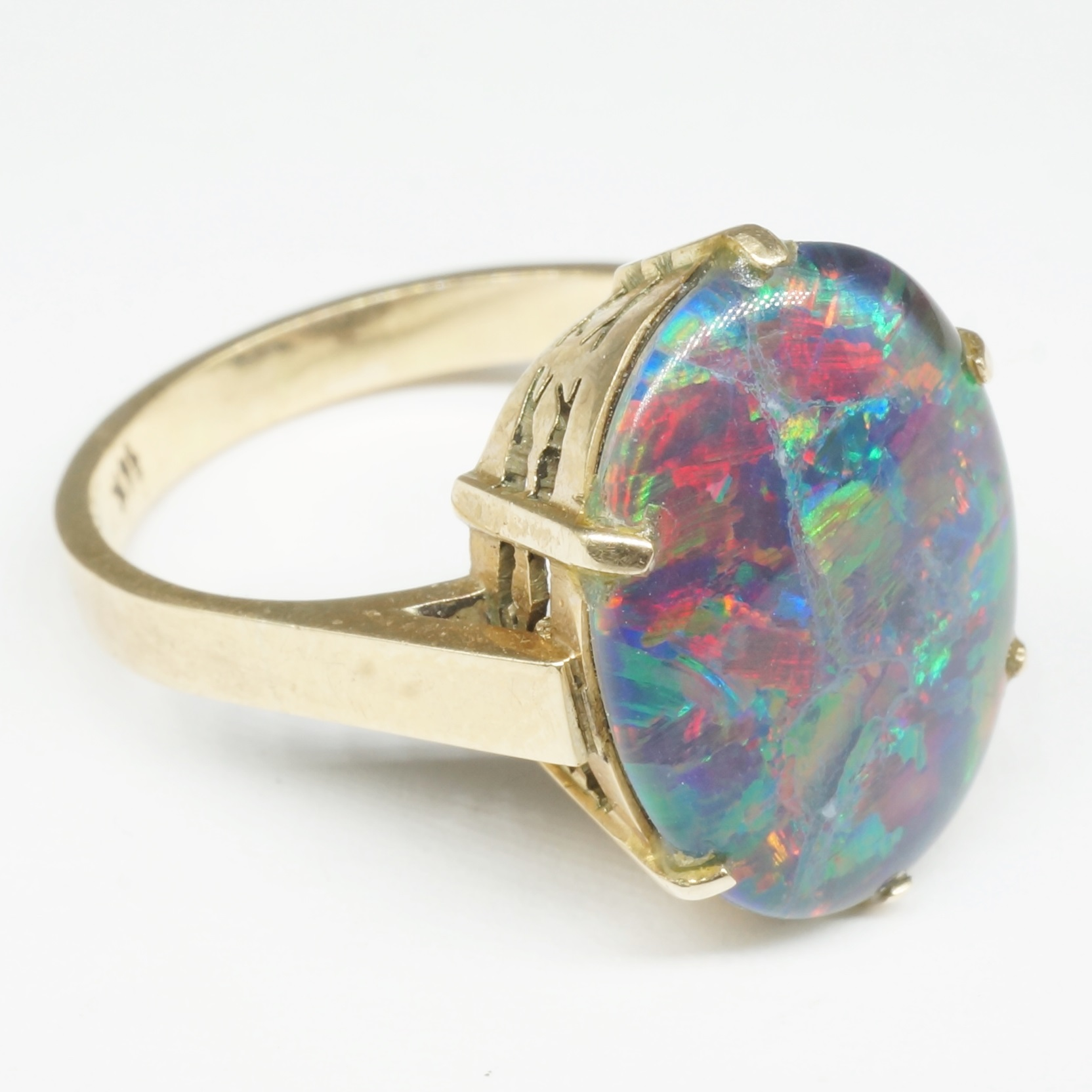'14ct Yellow Gold Ring With Opal Triplet '