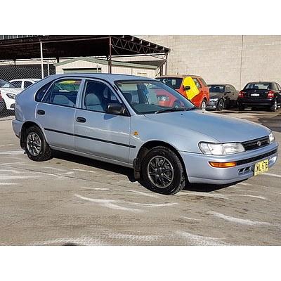 3/1997 Toyota Corolla CSi SECA AE101R 5d Liftback Silver 1.6L