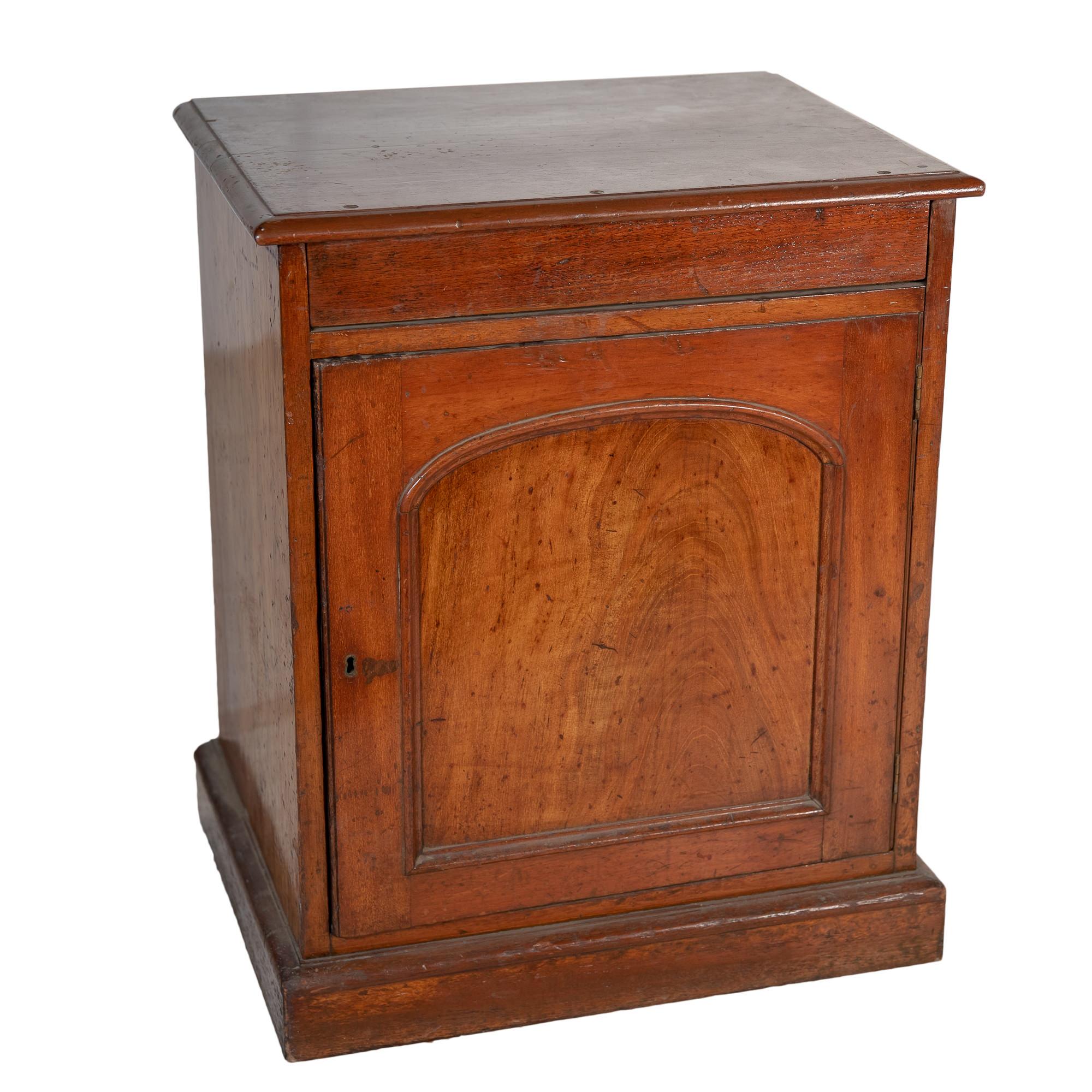 'Rare Australian Cedar Washstand Late 19th Century'
