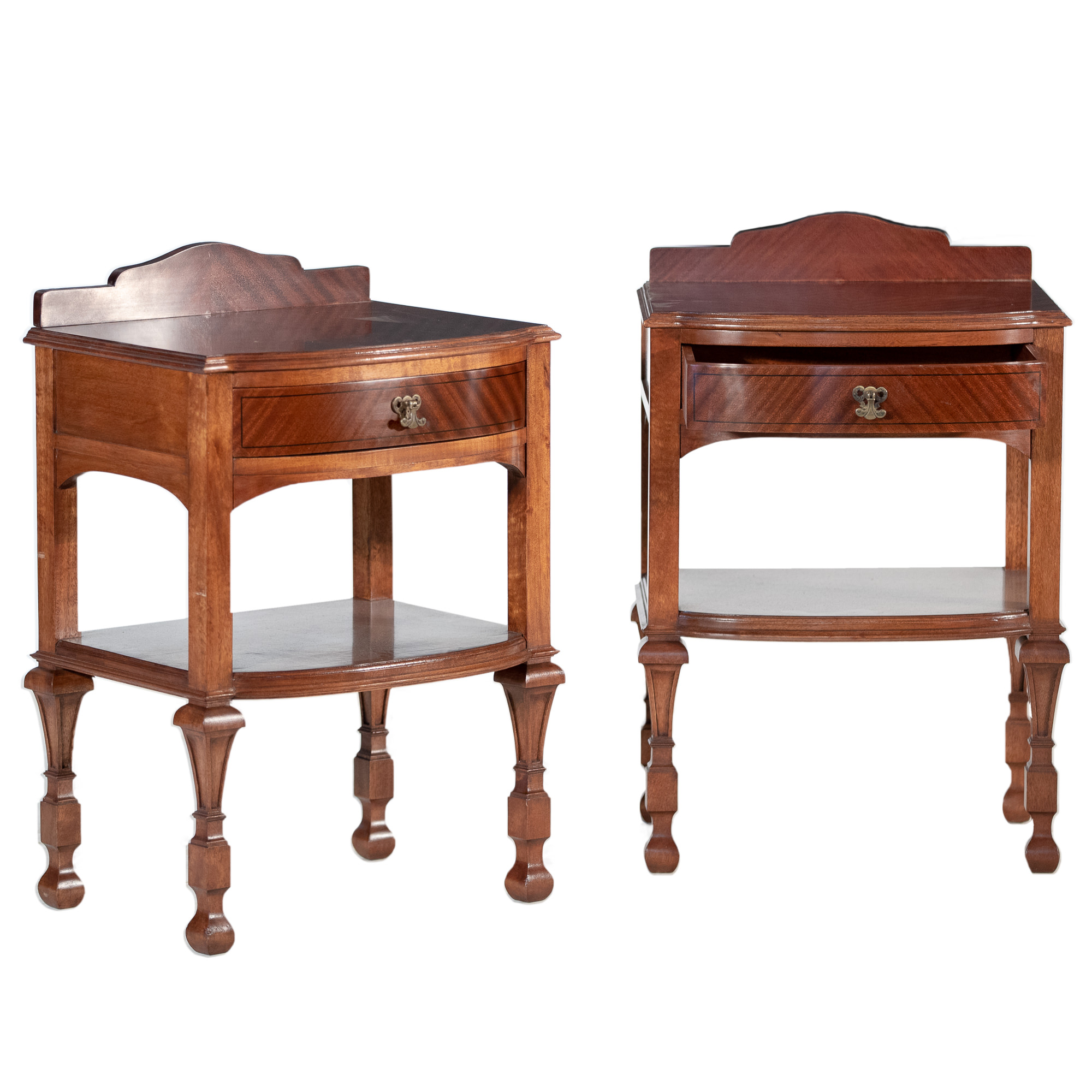 'Pair Of Queensland Maple Bedside Tables Circa 1930s'