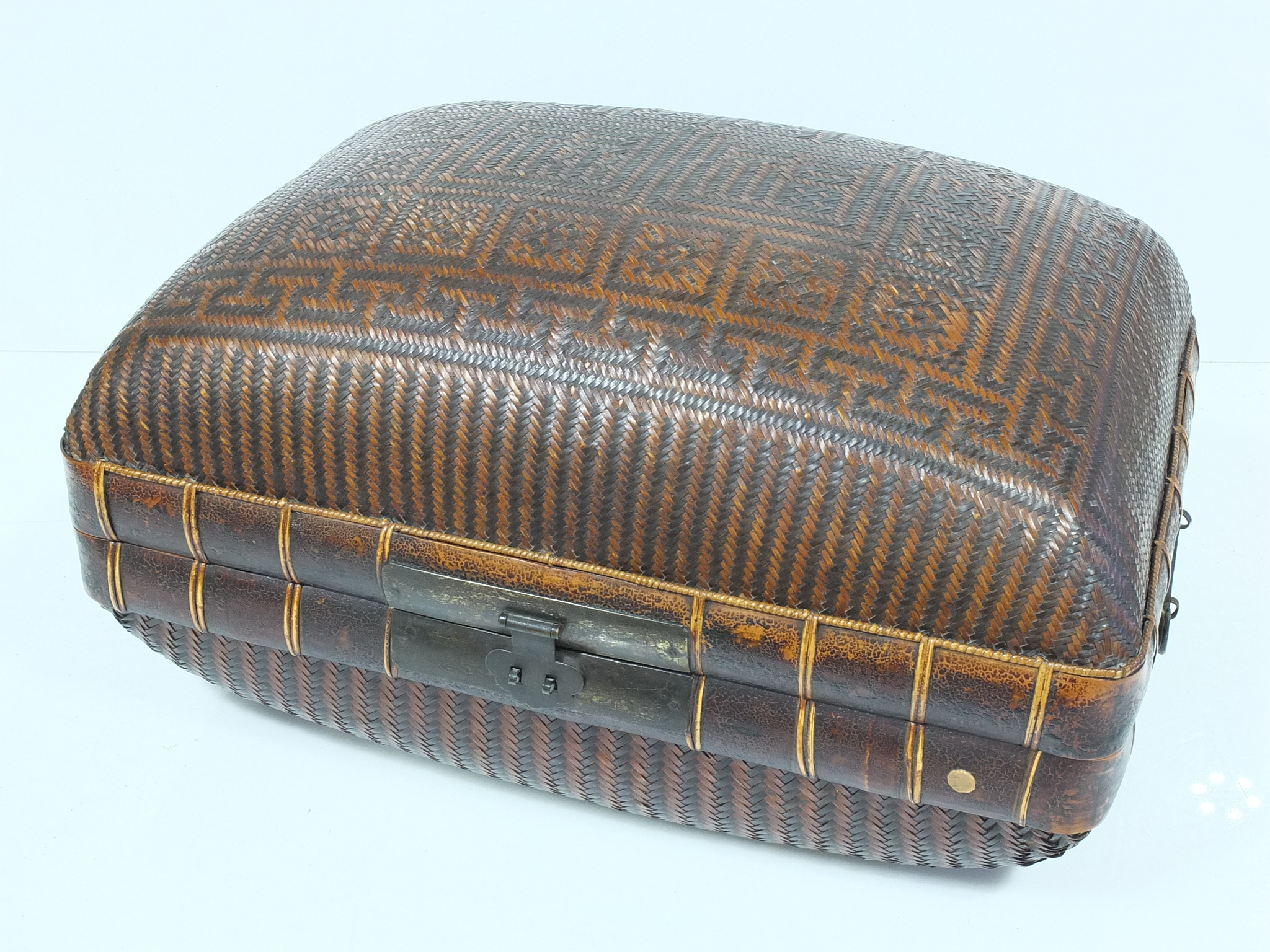 'Chinese Wicker Case'