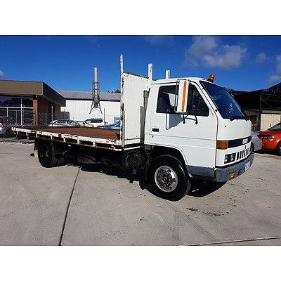 1/1989 Isuzu NPR59P Table Top Truck Utility White 3.9L