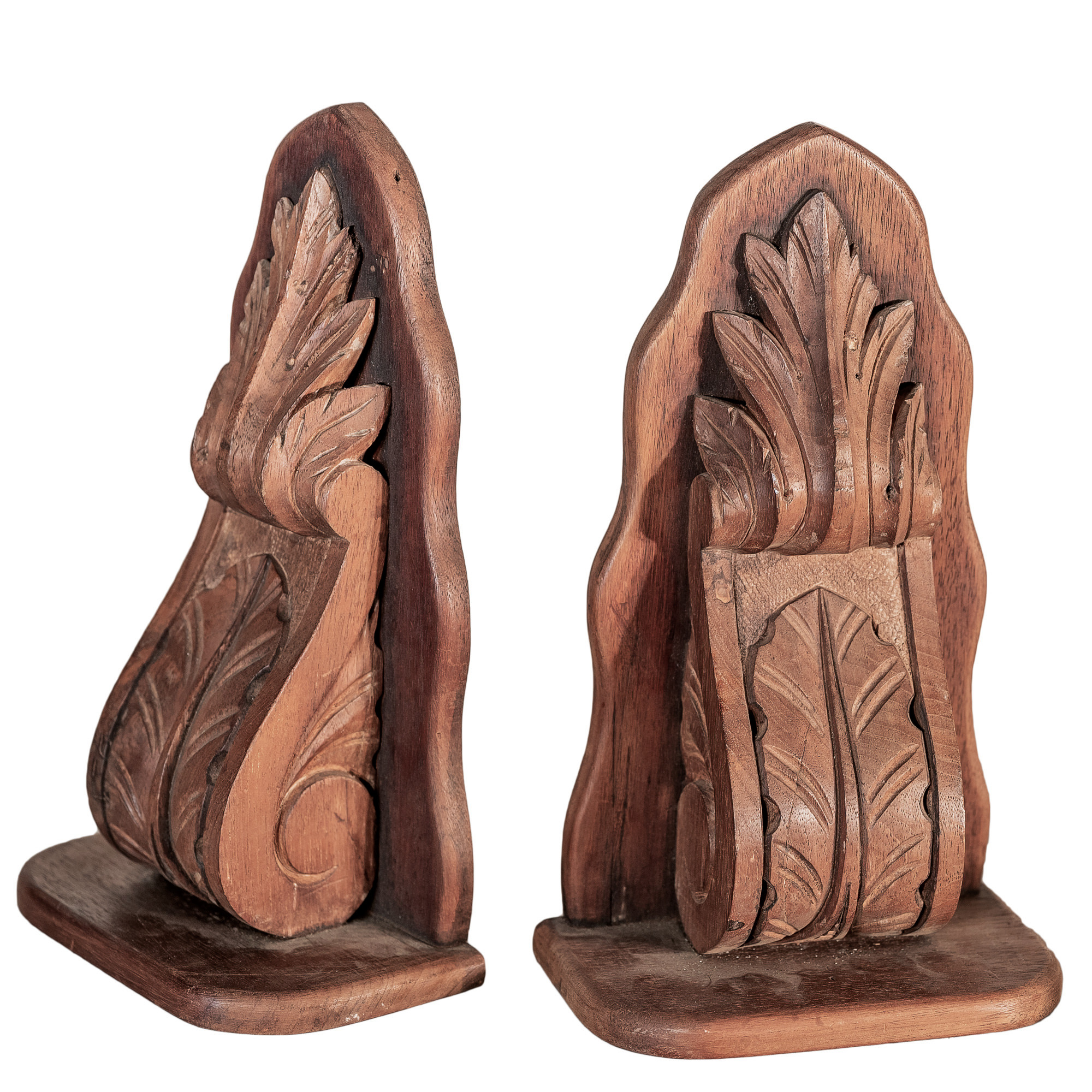 'Pair of Australian Cedar Carved Acanthus Wall Brackets '