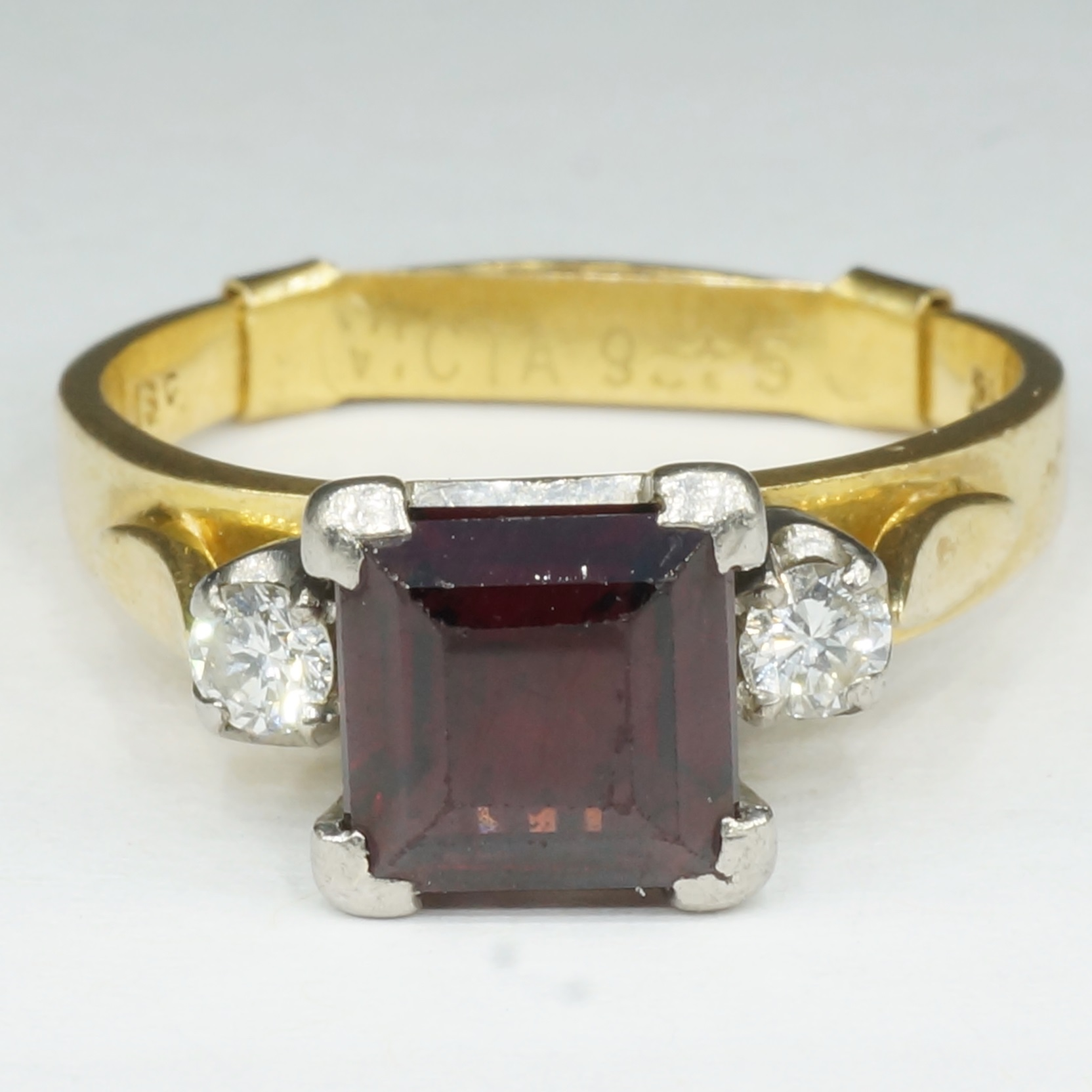 '18ct Yellow Gold with White Gold Settings Carre Cut Garnet and Diamonds '