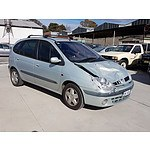 8/2004 Renault Scenic Expression  4d Wagon Silver 2.0L