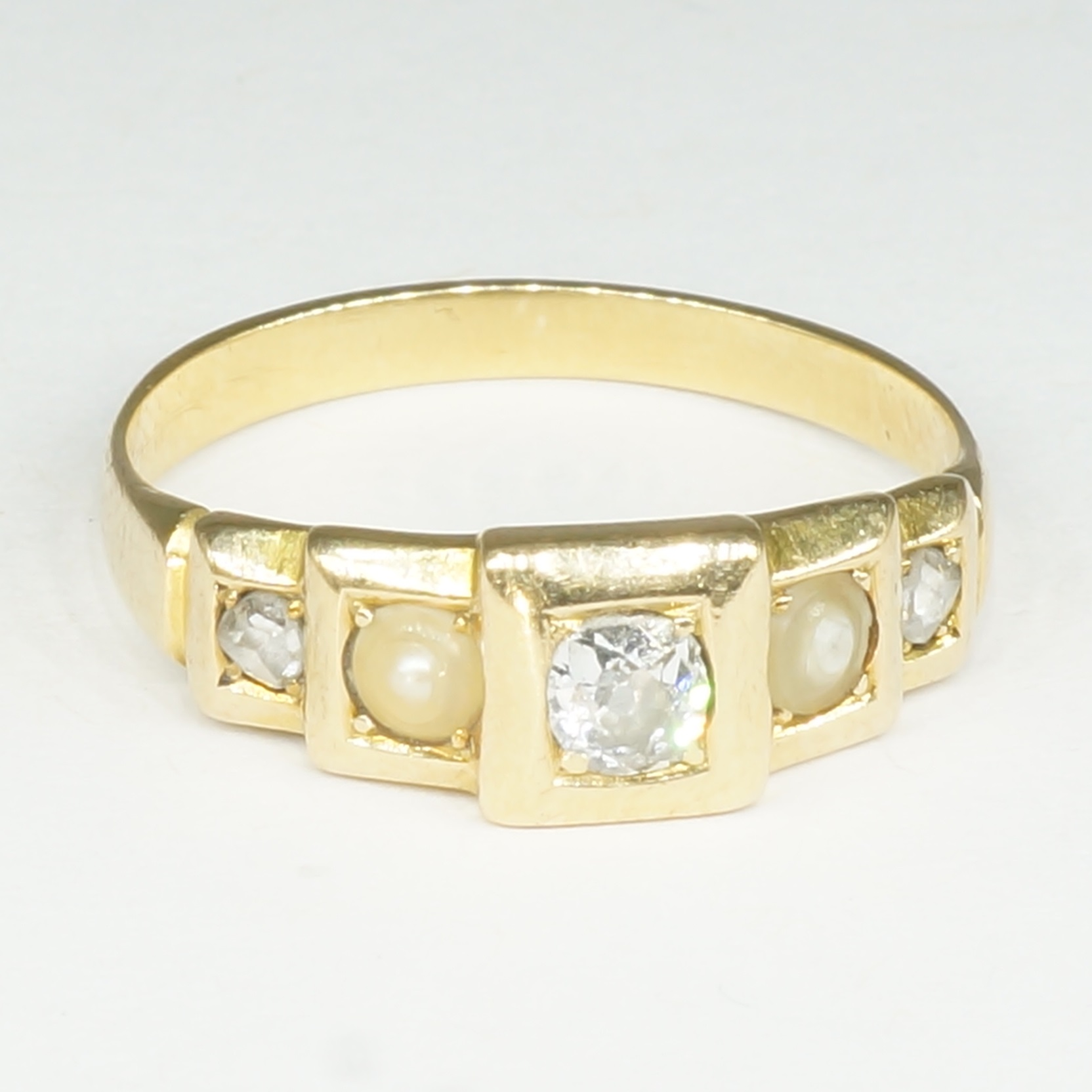 'Antique 18ct Yellow Gold Diamond and Pearl Ring'