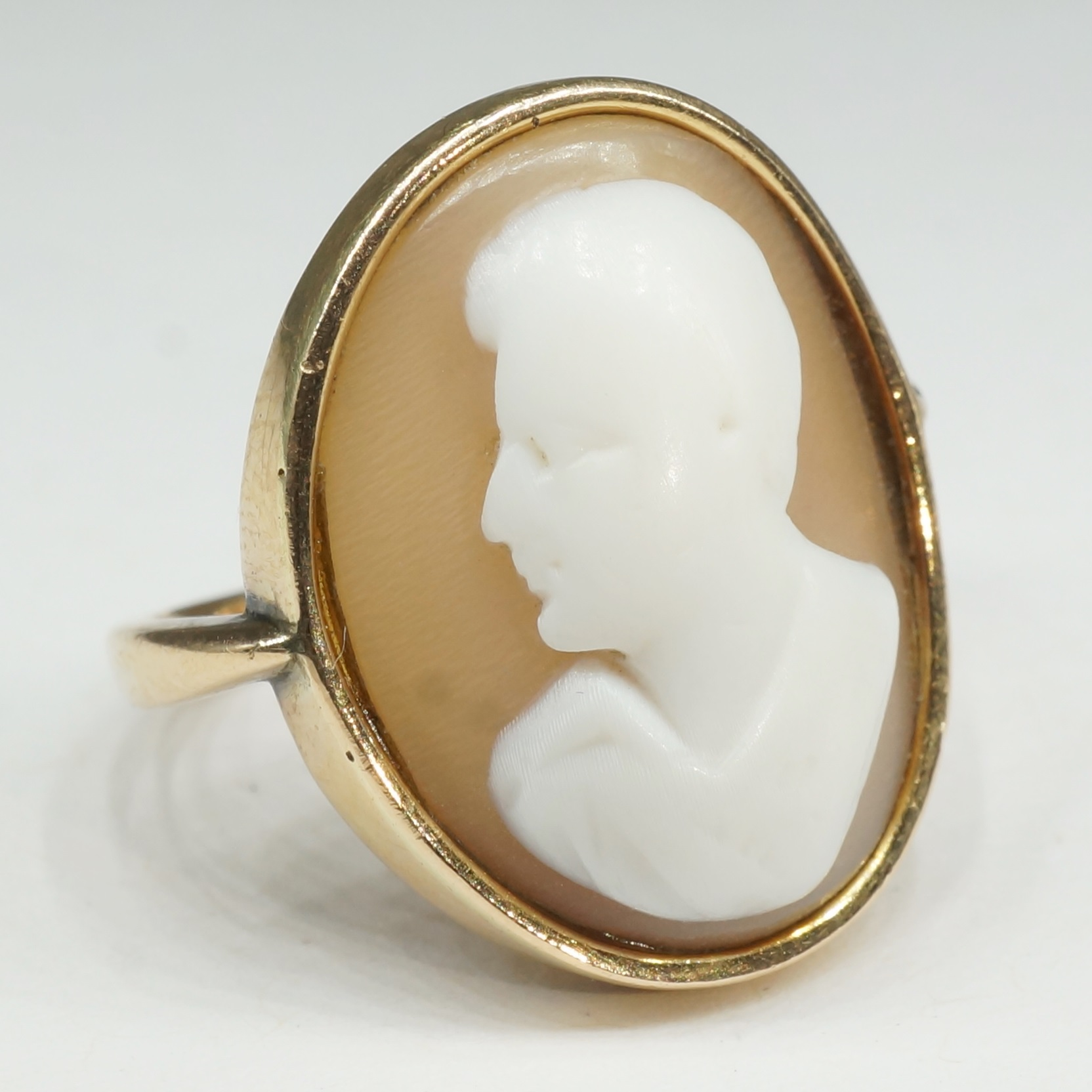 'Antique 18ct Yellow Gold Cameo Ring with Male Portrait'