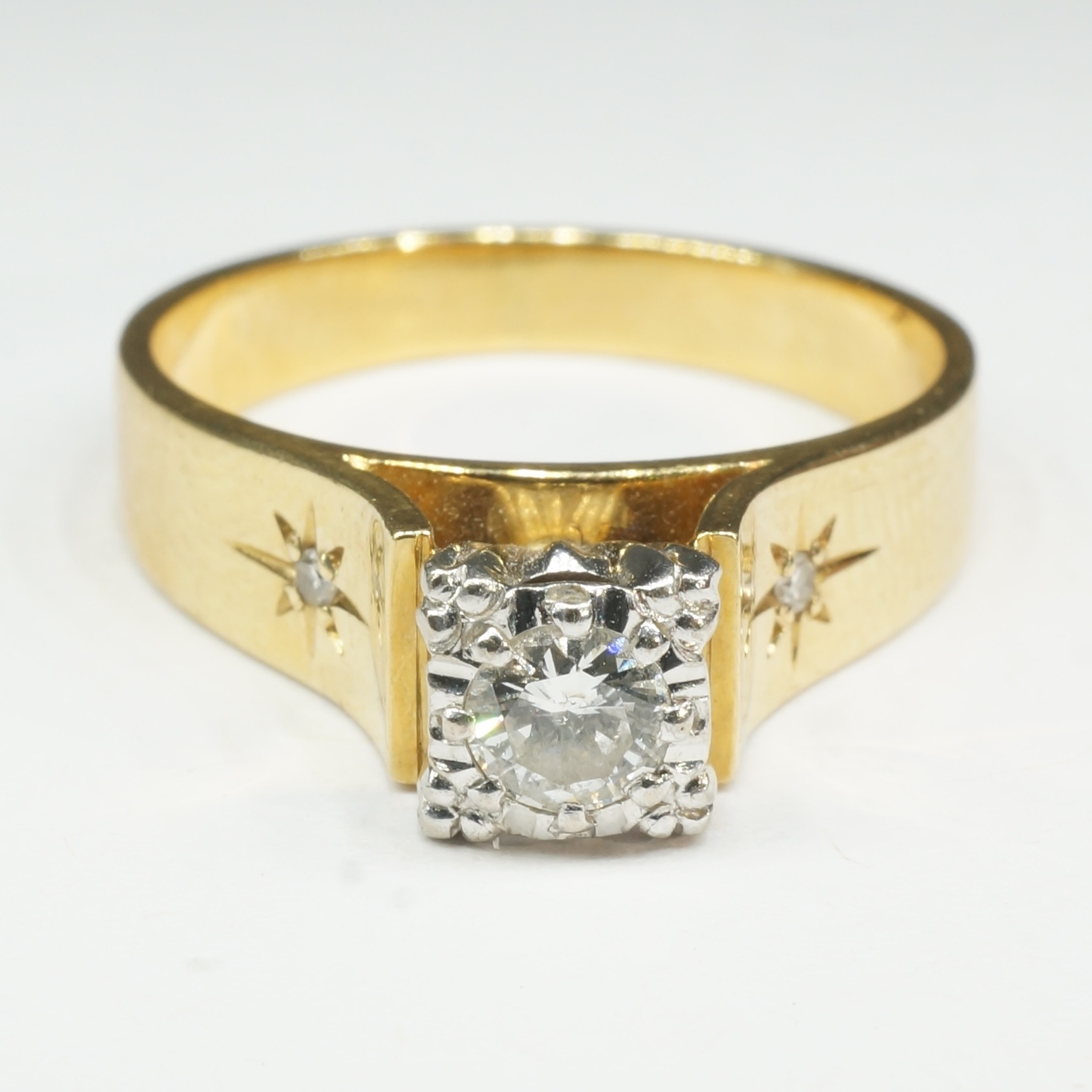 '18ct Yellow Gold with Platinum Settings Diamond Engagement Ring'
