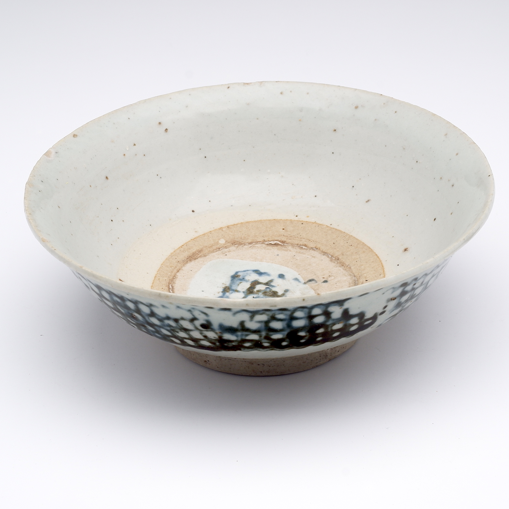 'Chinese Fujian Ware Bowl with Block Printed Decoration, Early 19th Century'