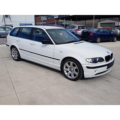 8/2002 BMW 320i Touring E46 4d Wagon White 2.2L