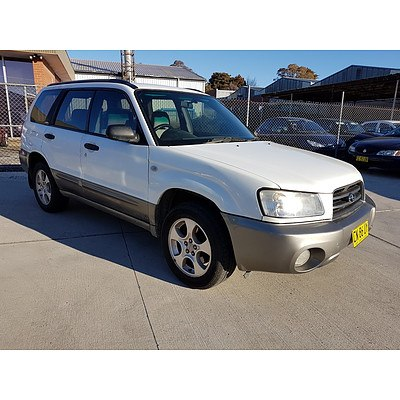 8/2002 Subaru Forester XS MY03 4d Wagon White 2.5L
