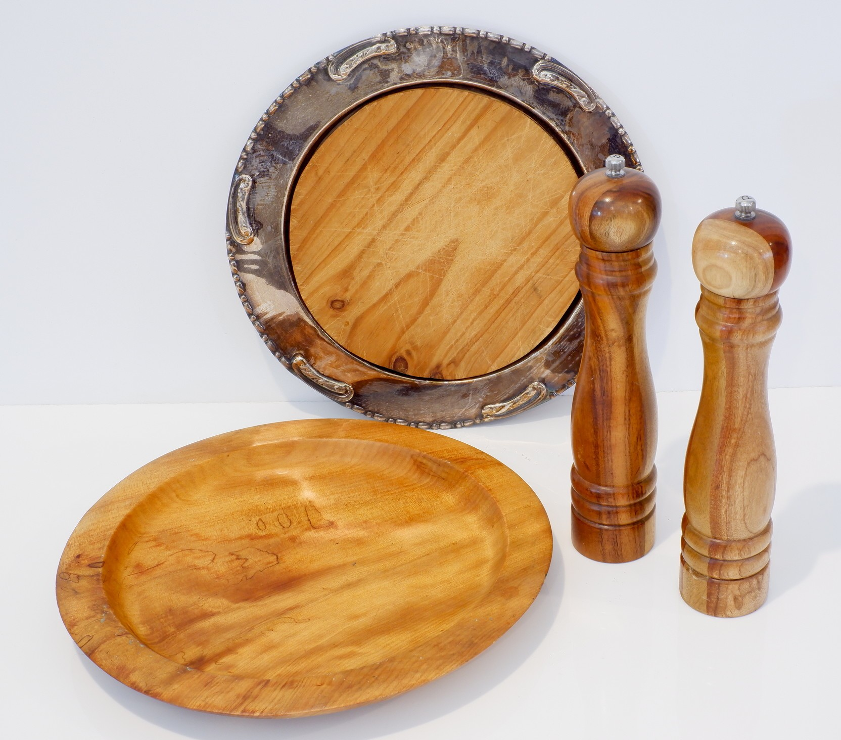 'Various Artisan Wood Items'
