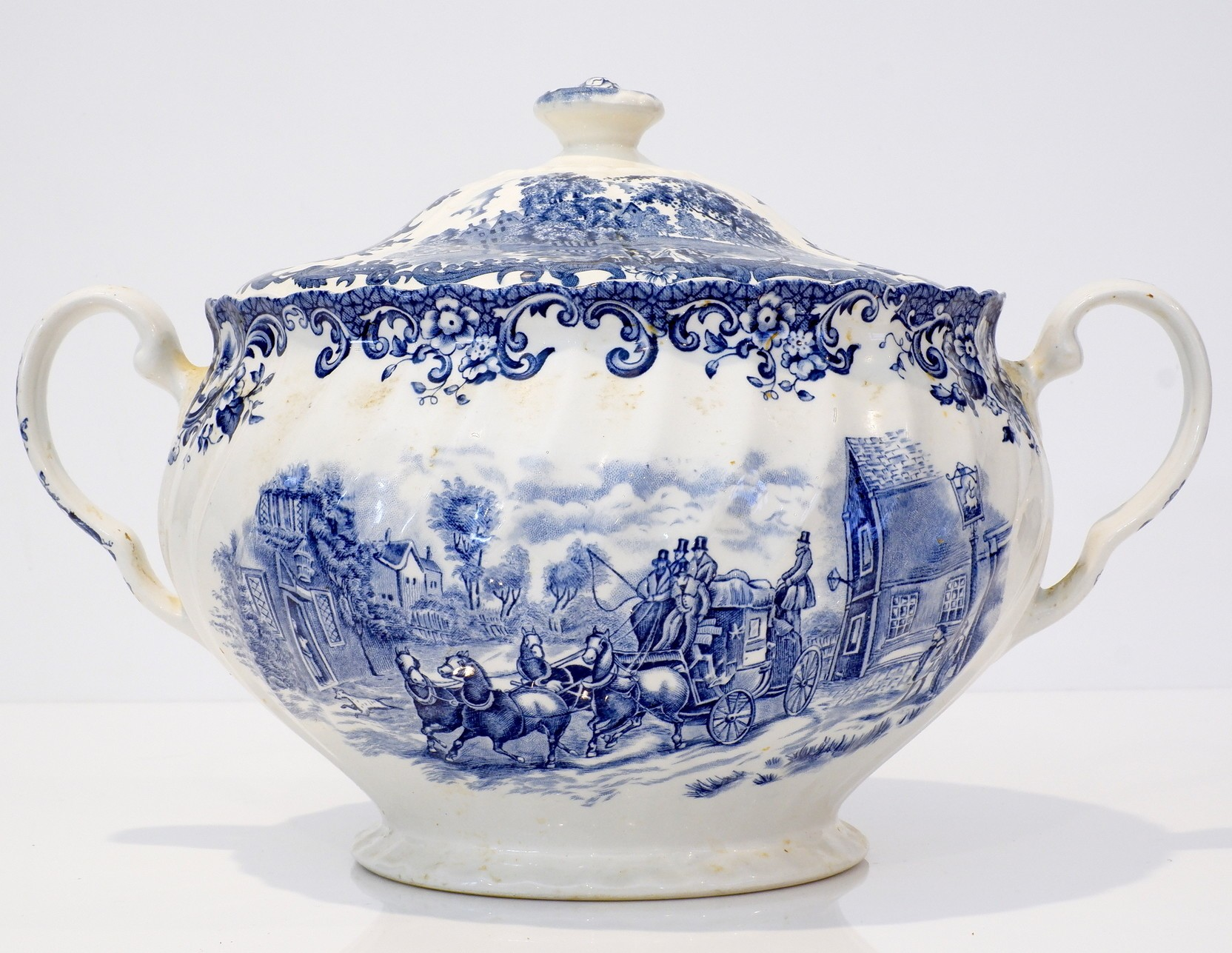 'Large Johnston Bros Coaching Day Tureen'