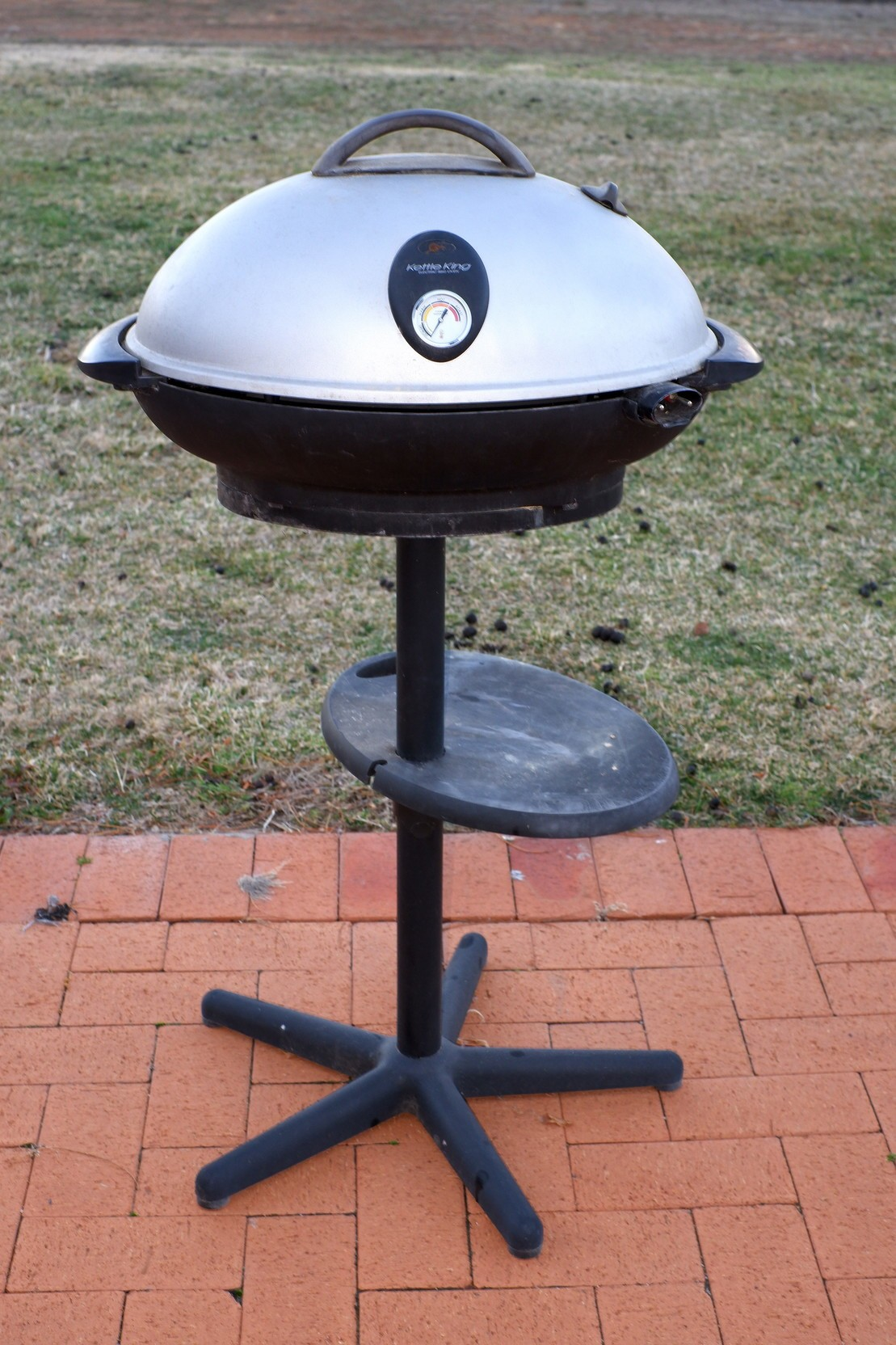 'Kettle King Electric BBQ Oven'