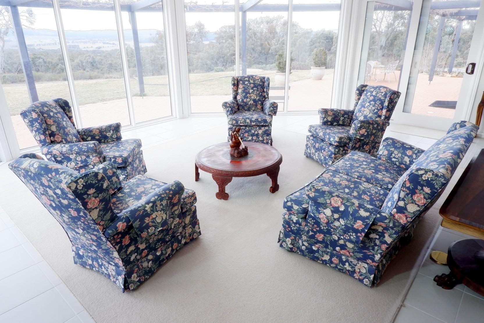 'Vintage Sanderson Linen Upholstered Five Piece Lounge Suite'