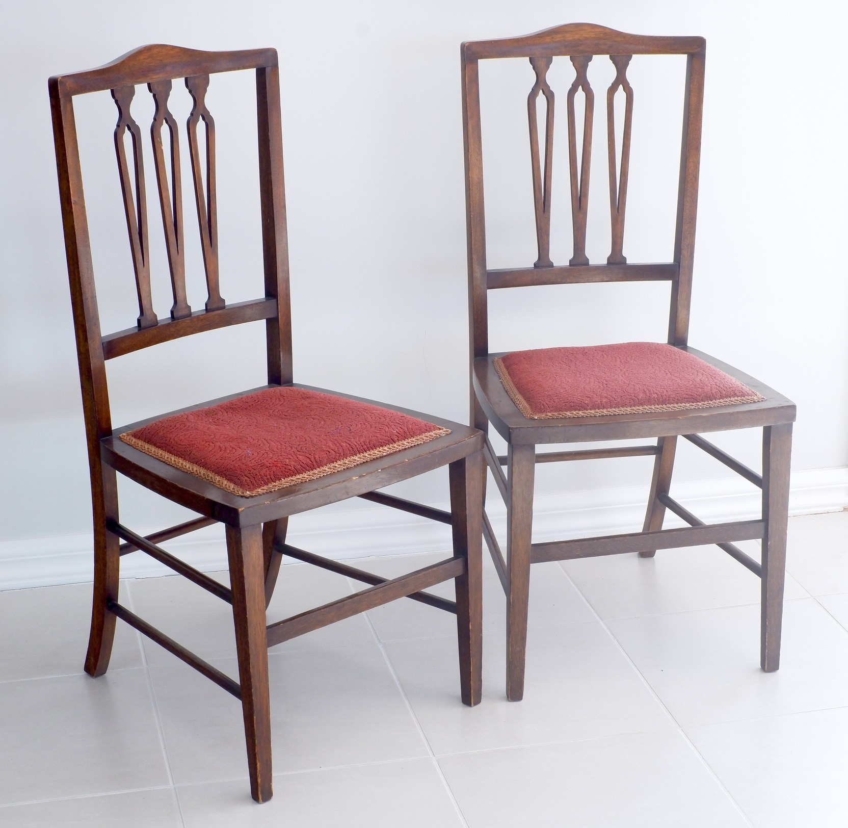 'Pair of Edwardian Maple Side Chairs Early 20th Century'