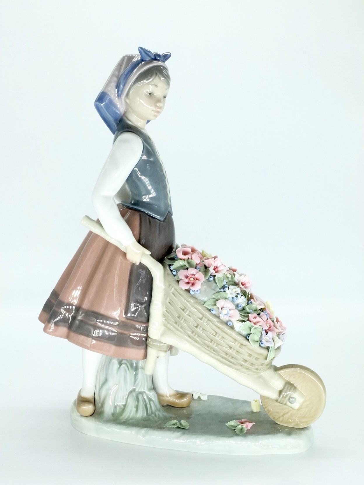 'Lladro Figure of a Girl With a Wheelbarrow'