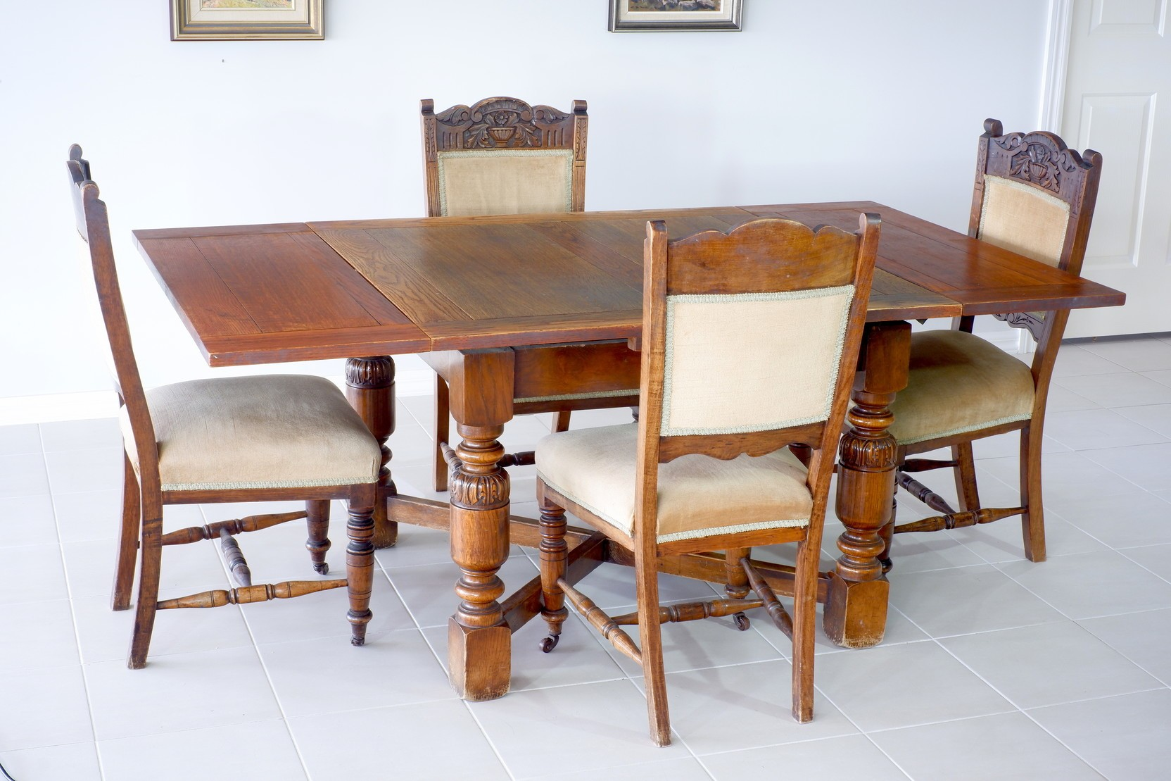 '1920s English Oak Draw Leaf Extension Table with Four Edwardian Walnut Chairs'