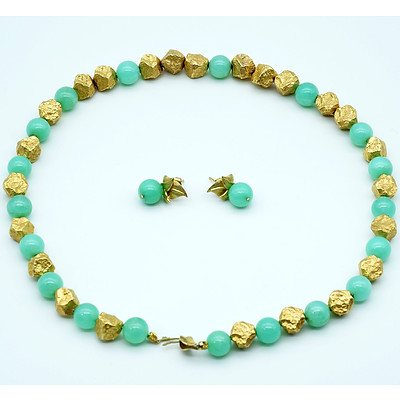 18ct Yellow Gold Nugget and Chrysoprasee Necklace and Matching 18ct Yellow Gold and Chrysoprase Earrings
