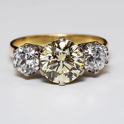Magnificent 18ct Yellow Gold and Three Diamond Ring, Centre Fancy Yellow Argyle Diamond