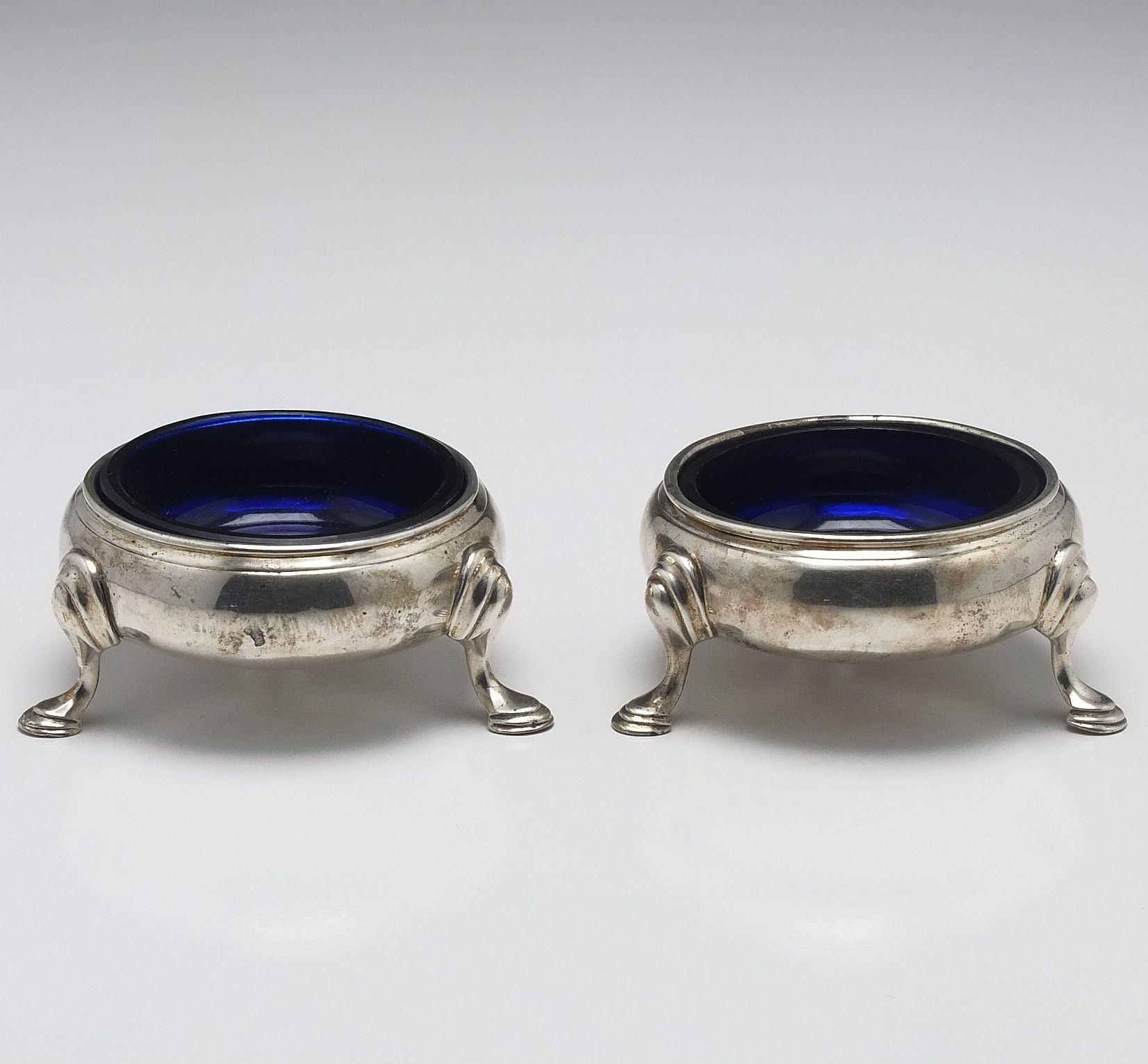 'Pair of George III Sterling Silver Open Salts With Bristol Blue Glass Inserts John Muns London 1759'