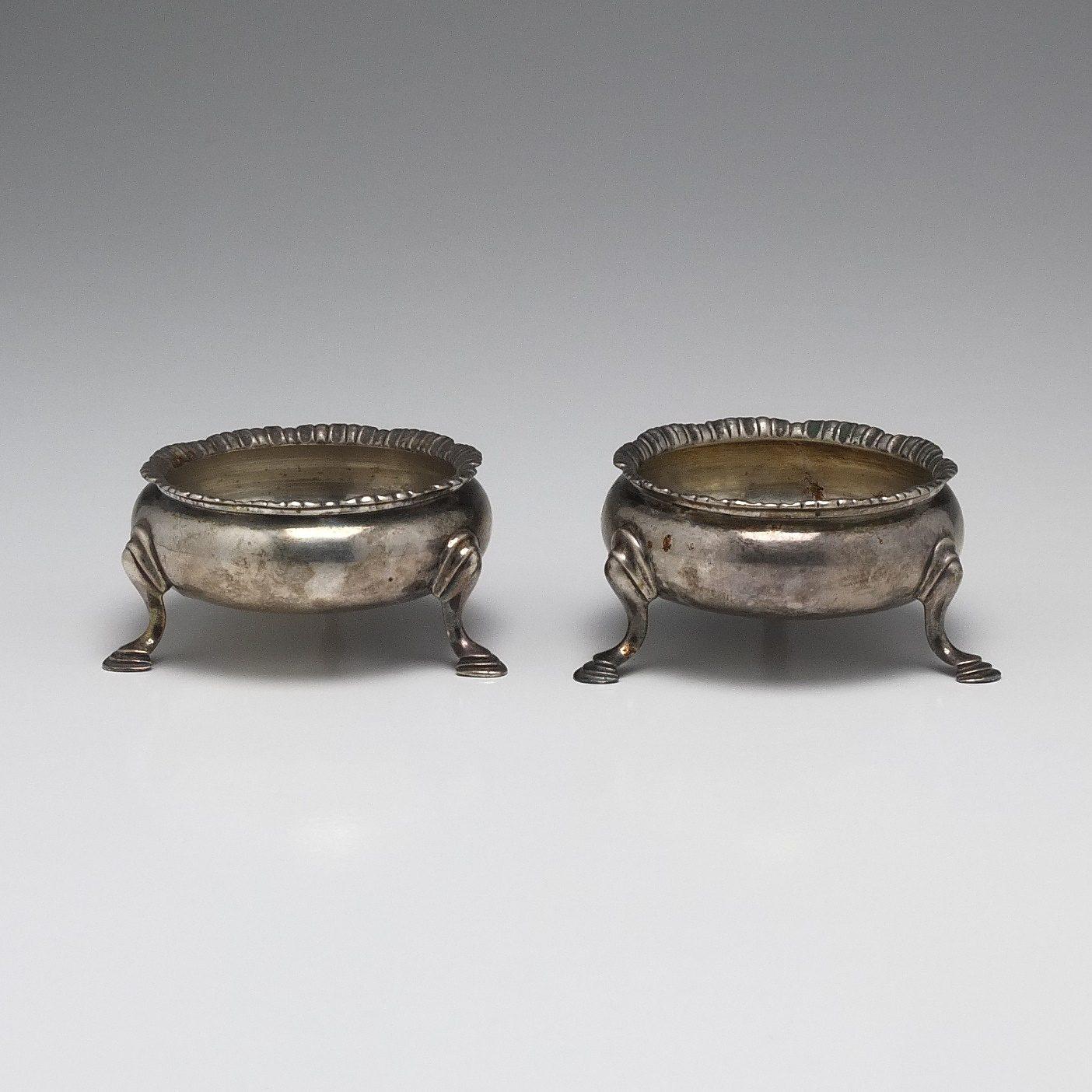 'Pair of George III Sterling Silver Open Salts John Muns London 1762'
