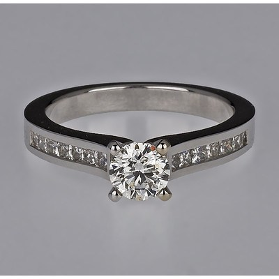 18ct White Gold Ring with One Round Brilliant Cut Diamond