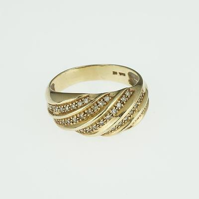 9ct Yellow Gold with Five Oblique Rows of Single Cut Diamonds