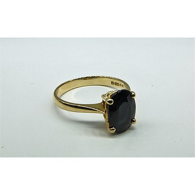14ct Yellow Gold Oval Dark Blue Sapphire
