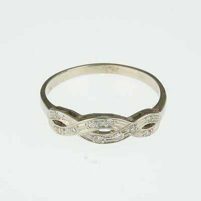 18ct White Gold Infinity Ring with Ten Small Single Cut Diamonds