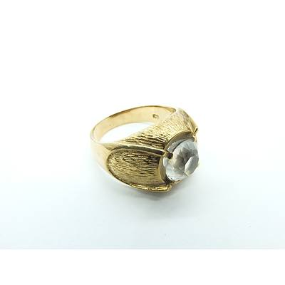 9ct yellow Gold Gents Ring With Colourless Gemstone