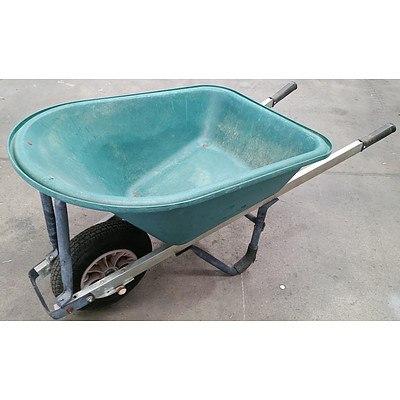 150L Green Bucket Wheelbarrow