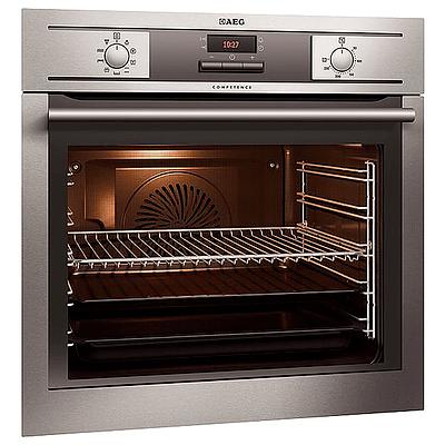 AEG 60cm Built-In Oven Retractable Controls 8-Functions S/S = RRP=$475.00