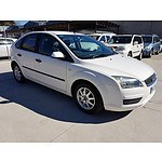 8/2006 Ford Focus CL LS 5d Hatchback White 2.0L