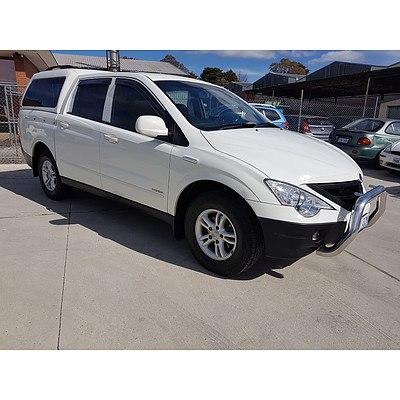 10/2011 Ssangyong Actyon Sports (4x4) A200S Double Cab Utility White 2.0L