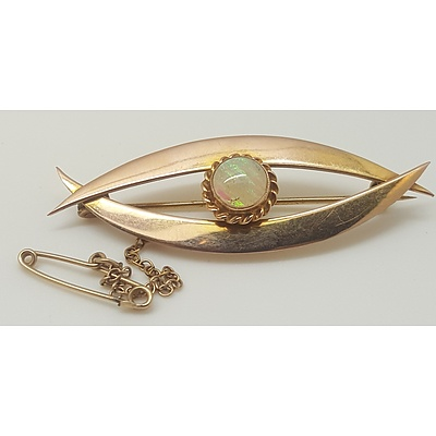 9 Carat Yellow Gold and Opal Brooch