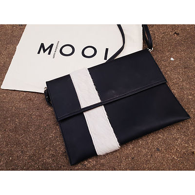 Mooi iPad Clutch and a $50 store voucher from Sissa Sorella