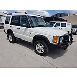 2/2002 Land Rover Discovery V8 (4x4)  4d Wagon White 4.0L