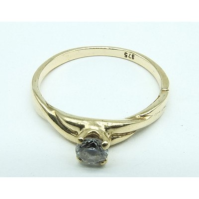 9ct Yellow Gold with CZ Ring