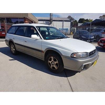 12/1997 Subaru Outback 4d Wagon White 2.5L